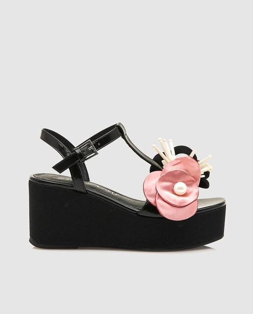 Sixtyseven Sandalias de cuña  de mujer Sixtyseven de color negro con adorno floral