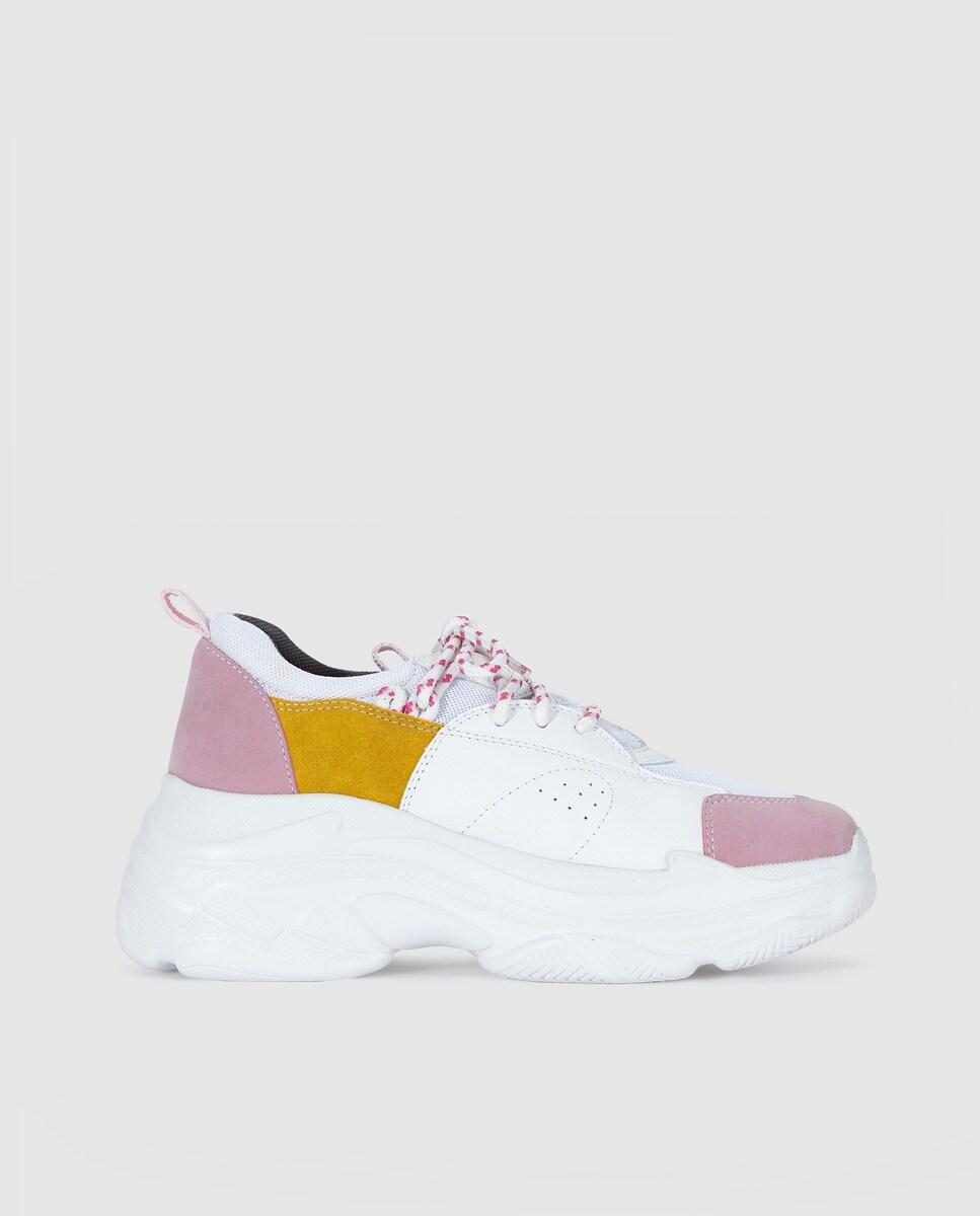 Chaussures sport    à lacets